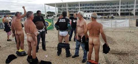 Resultado de imagem para petroleiros pelado em Brasilia?